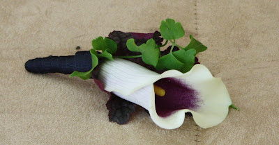 Splendid Stems Event Florals - Groom's Boutonniere - Calla Lily