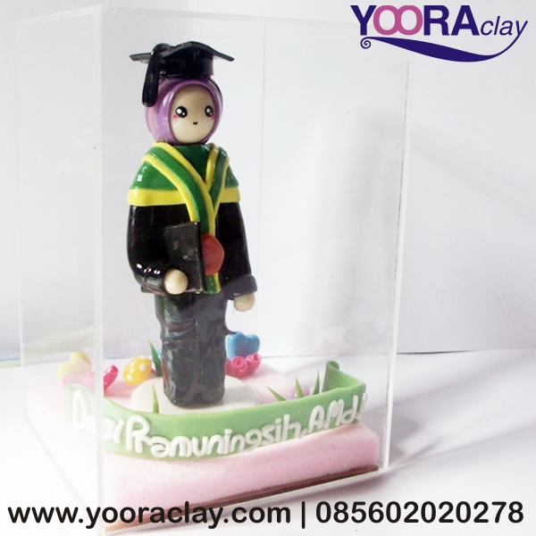 Hadiah Wisuda - Yoora Clay | Custom made Clay Craft