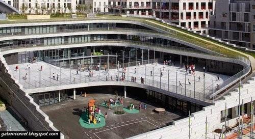 Unik Sekolah Rendah Ini Mempunyai Taman Hijau Diatas Bumbung