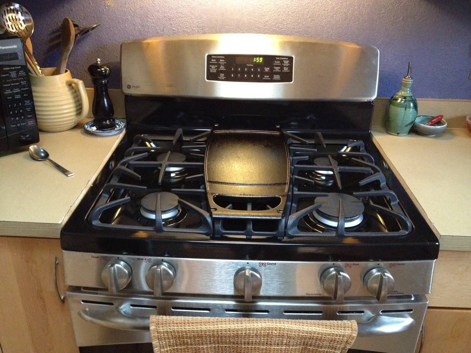 Stove With Griddle In The Middle ~ Derek on cast iron recipes article new ge