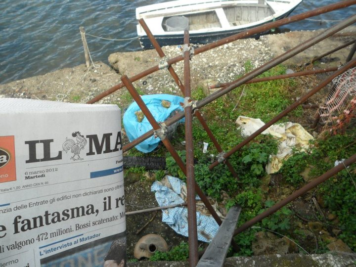 Bracconaggio al lago lucrino ritrovato materiale da for Lago lucrino