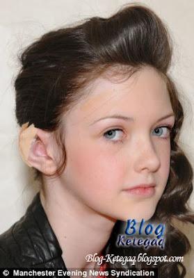 tindik di telinga