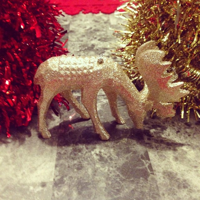#thriftscorethursday Week 45 | Instagram user: jawalton12 shows off this Glittered Gold Moose