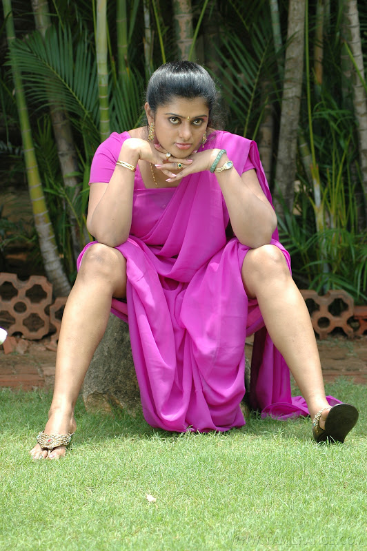 kalla chavi Movie Latest Hot Spicy Stills navel show