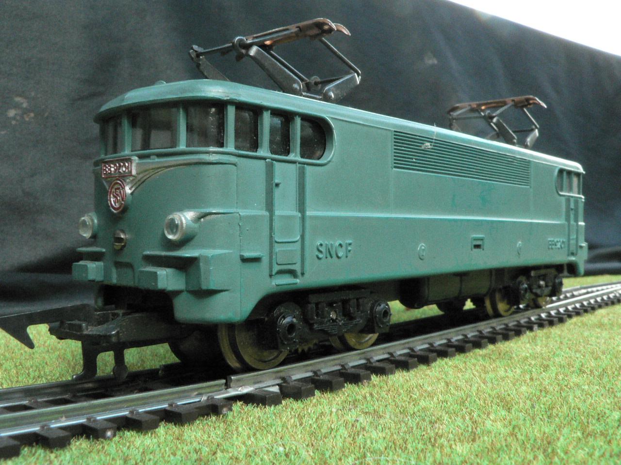 collections maquettes et figurines du bois du lac train lectrique locomotives. Black Bedroom Furniture Sets. Home Design Ideas