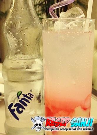 Cara Membuat Minuman Es Soda Gembira