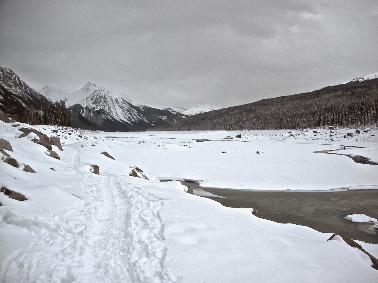 medicine lake jasper winter