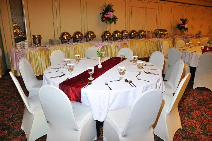 Pemilihan Seprai dan Dekorasi Meja Makan