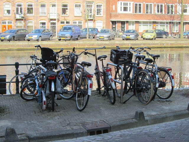 The Cycling Dutchman The Convenience Of The Dutch Bike Lock
