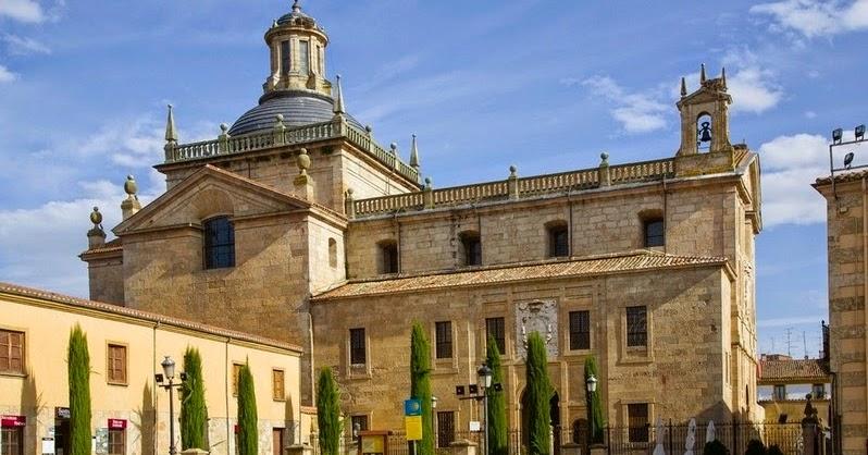 Hotel arcos ciudad rodrigo capilla de cerralbo for Oficina de turismo ciudad rodrigo