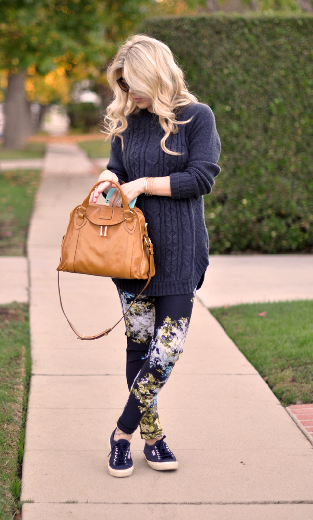 easy casual outfit, cropped floral pants, long chunky sweater, sneakers