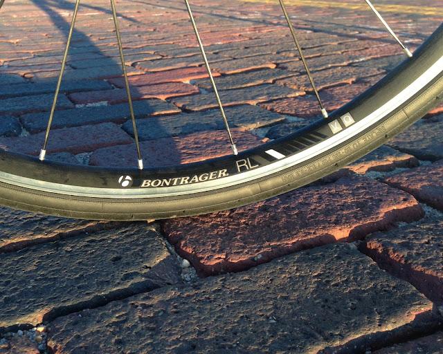 bontrager-race-lite-tubeless-wheels