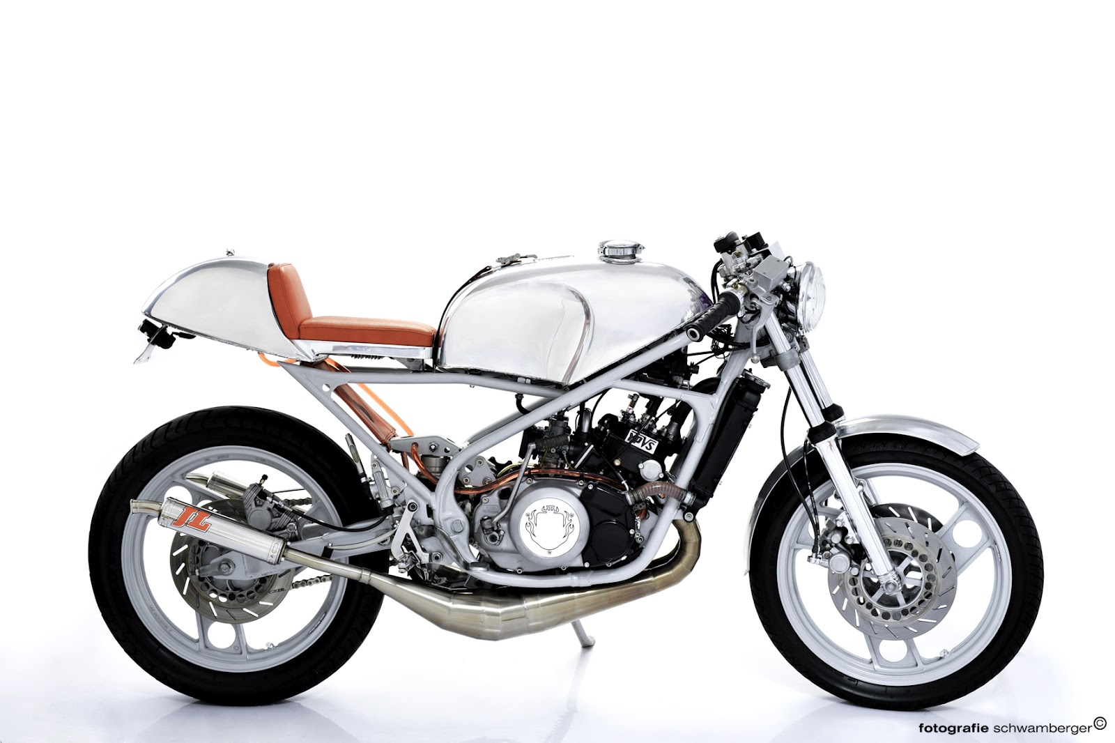 RocketGarage Cafe Racer  RD 350