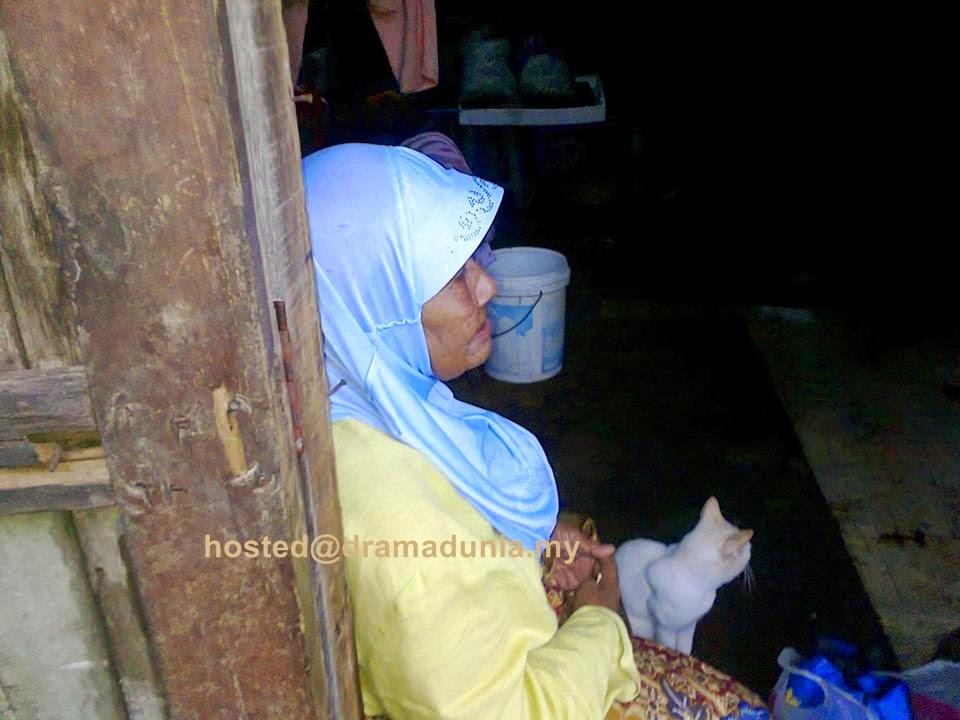 Sedih Kudrat Nenek Tua Cuci Pinggan Dengan Upah RM3 Sehari Di Mersing