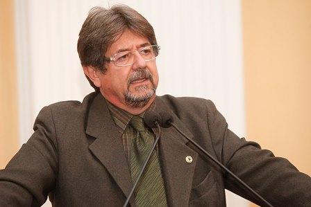 Polemica: Projeto do Deputado Augusto Cesar determina a higienização de carrinhos e cestas de compras dos supermercados e mercadinhos.