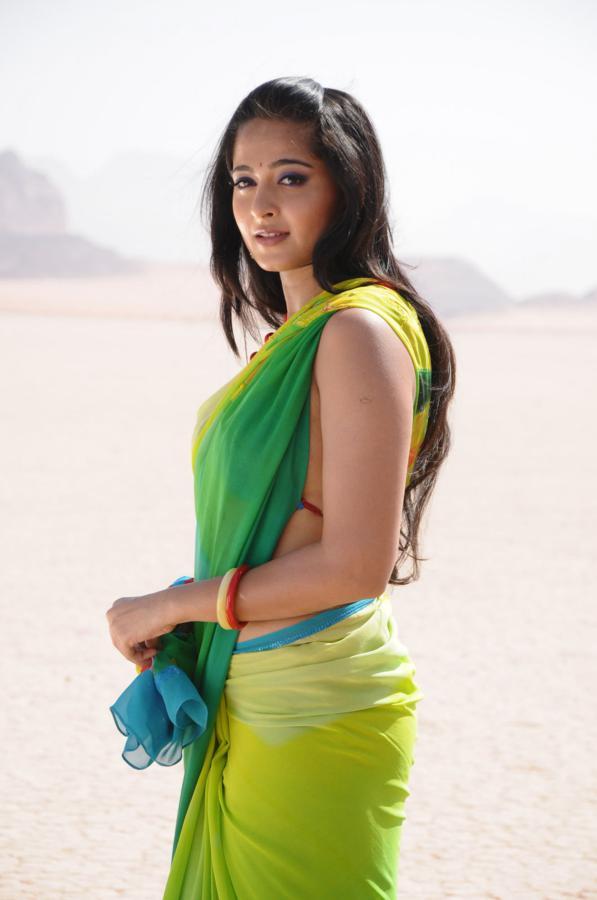 anushka shetty super hot in black saree 8 pics 1148 x 1600   224kb