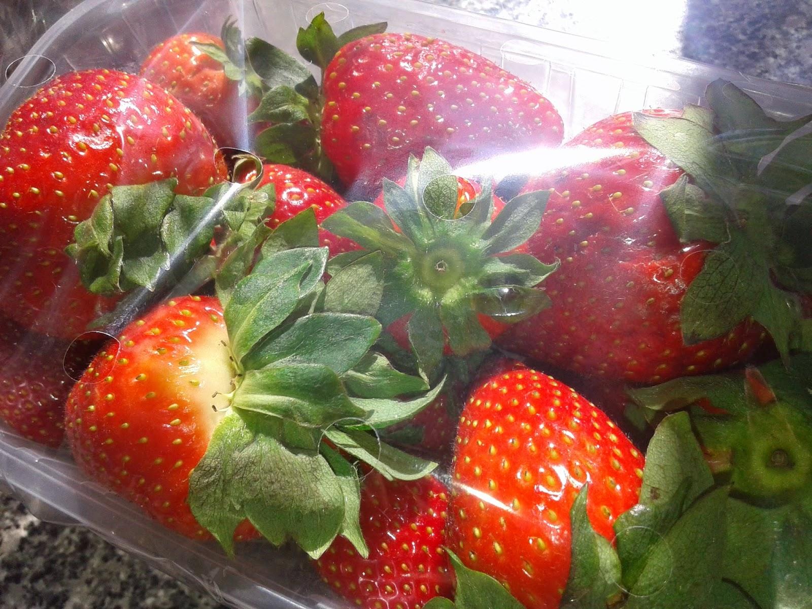 strawberries, fruits, owoce, truskawki, muss truskawkowy, koktajl z truskawek,