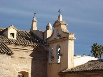 Vista del campanario desde las terrazas.