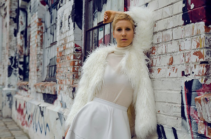 white leather skirt white faux fur coat h&m studio oasap beeswonderland