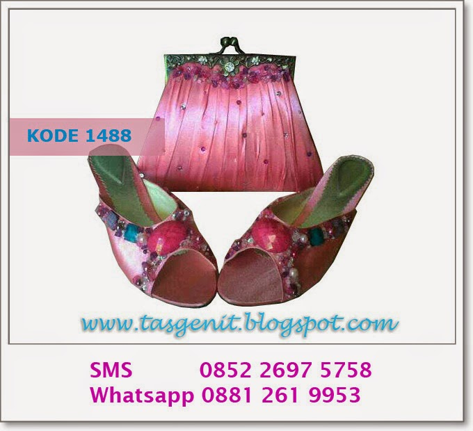 clutch bag matching, pink shoes, seserahan pernikahan