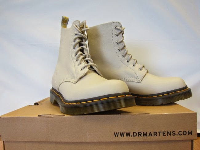 Dr Martens Ivory Elk 1460 Boots review