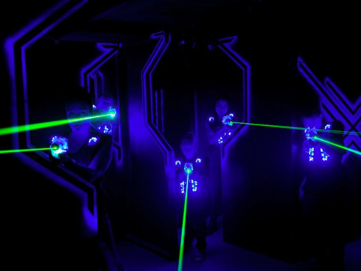 """Ven a jugar a Laser Game Alfafar a """"Exploradores y Fantasmas"""""""
