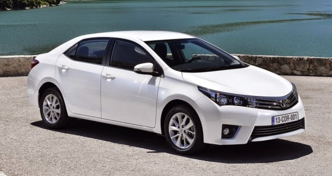 2014 Toyota Corolla Altis Launched In India At 11.99 Lakh