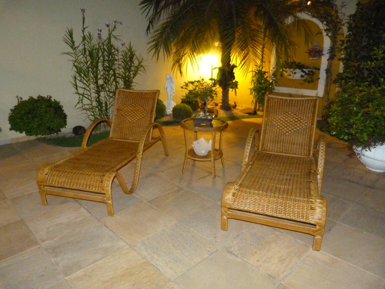 Móveis De Fibra Sintética Varanda De Apartamento Piscina E Jardim #BFA20C 1280x960