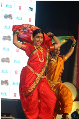 "viday balan dancing at the launch of lavani song mala jau de from ""ferari ki sawaari"" movie hot images"