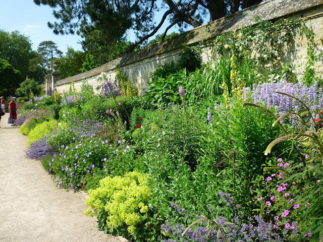 university of oxford botanic garden via lovebirds vintage