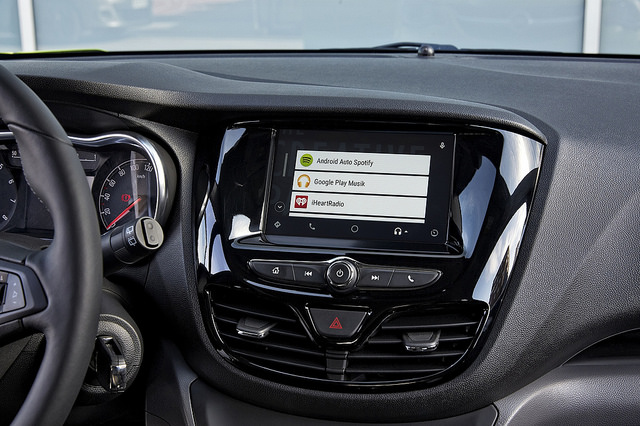 Android Auto Navigation and Entertainment