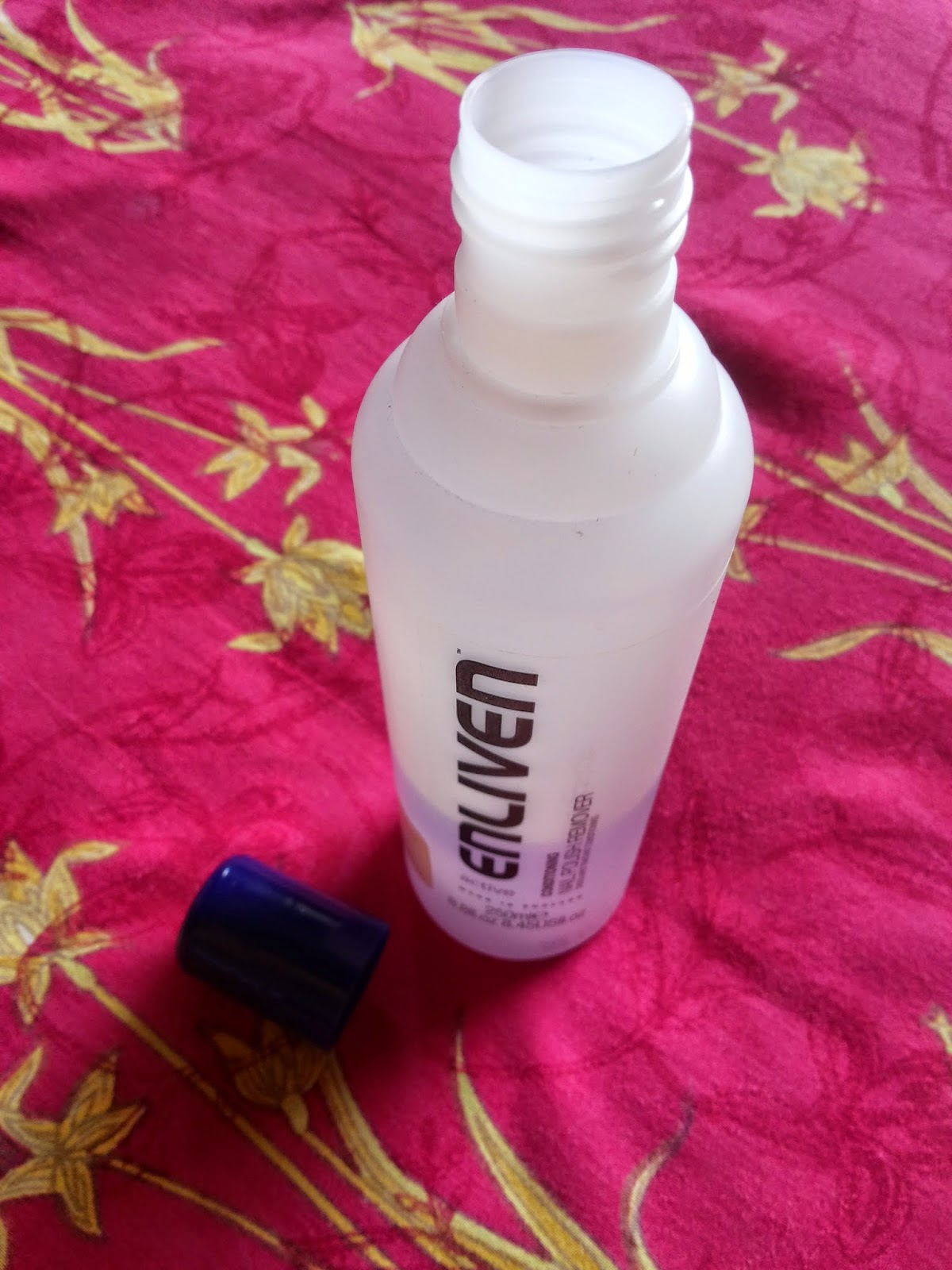 The Purple Notebook: Enliven Conditioning Nail Polish Remover