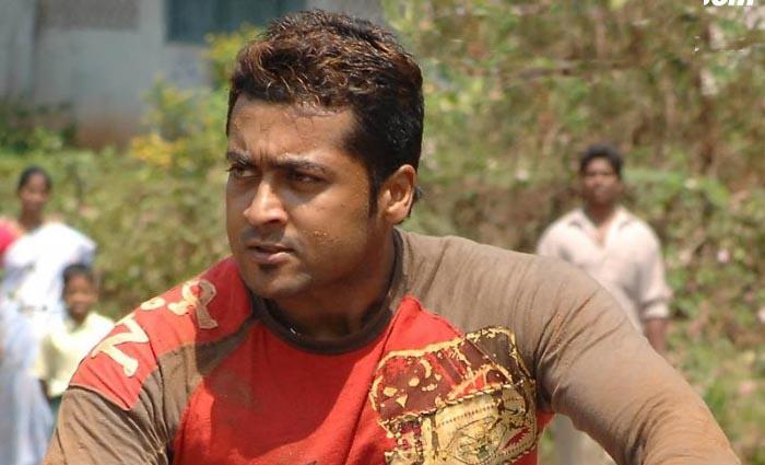 Actor Surya In Jillunu Oru Kadhal Movie Stills Images