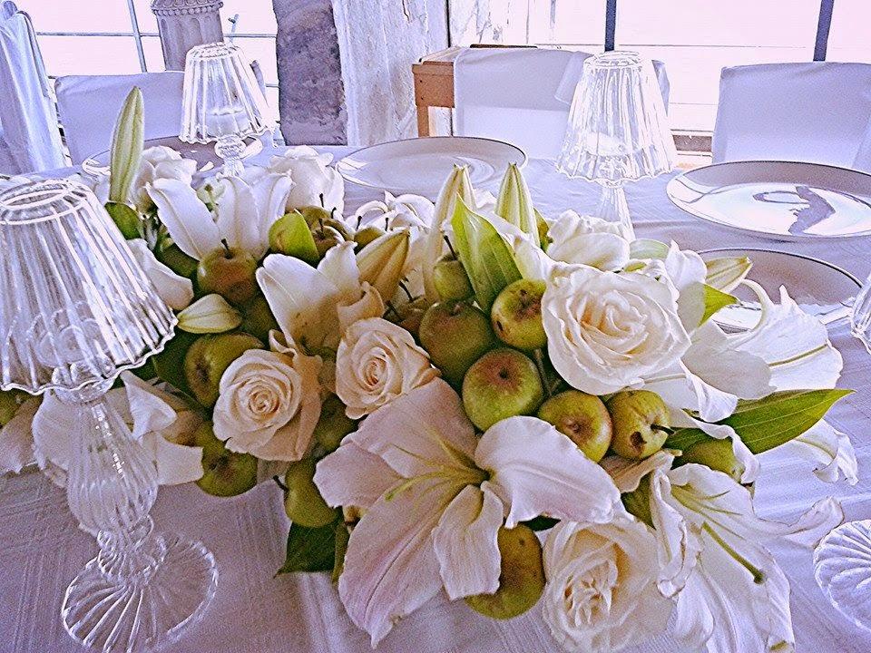 Liliums & Manzanas Centerpiece