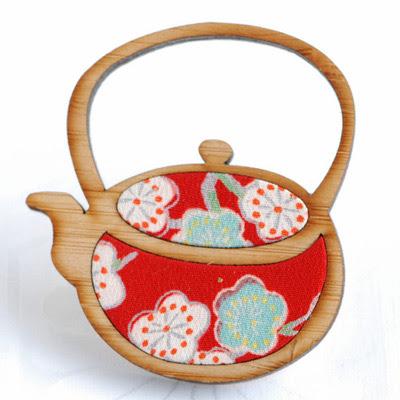 Kimono Reincarnate Teapot brooch