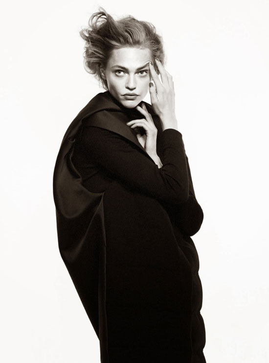 Sasha Pivovarova in Vogue Paris August 2014 (photography: David Sims, styling: Suzanne Koller)