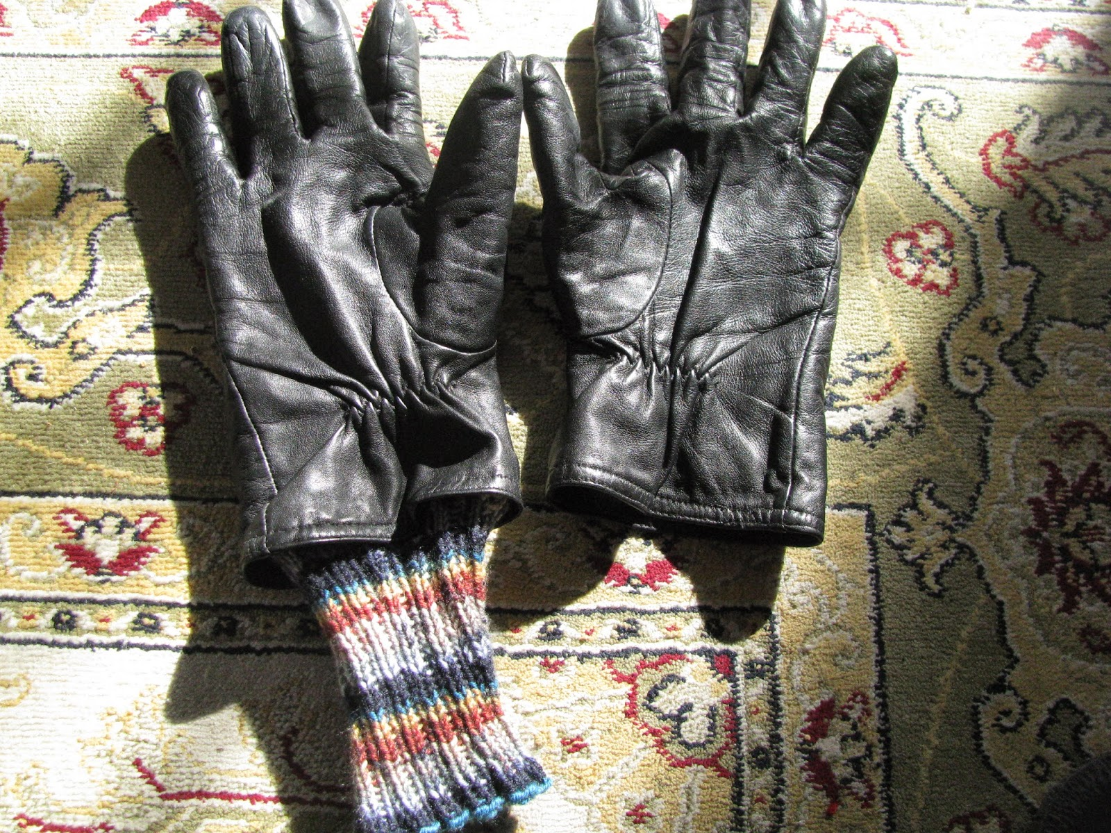 New and Improved Leather Gloves (cuff knitting pattern)