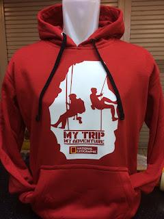 gambar desain terbaru jaket sweater warna merah terbaru musim depan foto photo kamera Jaket Sweater My Trip seri National Geographic warna merah terbaru di enkosa sport toko online terpercaya lokasi di tanah abang jakarta pusat