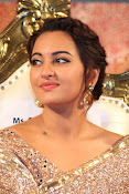 Sonakshi Sinha at Lingaa Audio-thumbnail-12