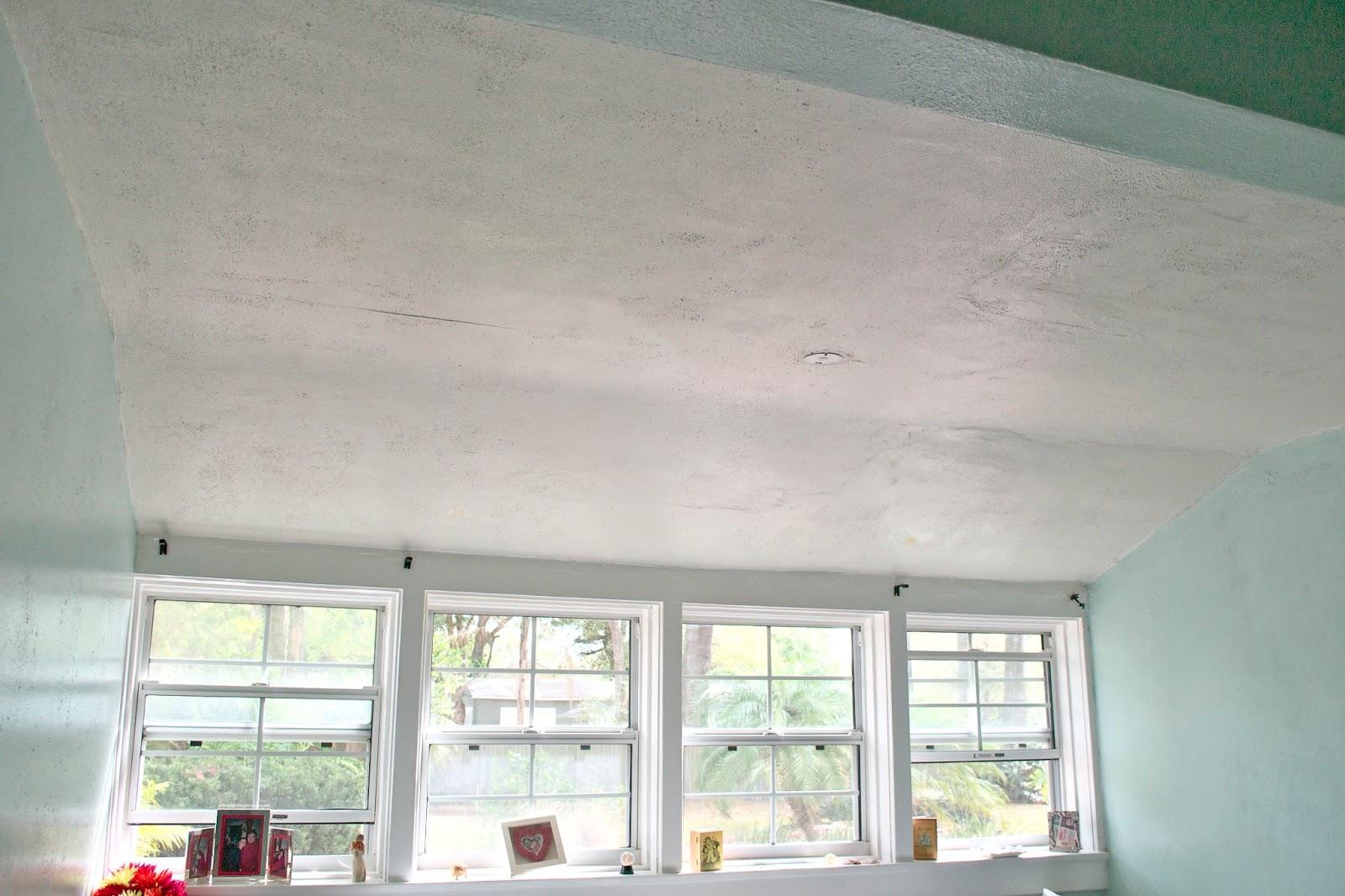 Декор потолка своими руками (38 фото обоями, тканью, и другие) 27