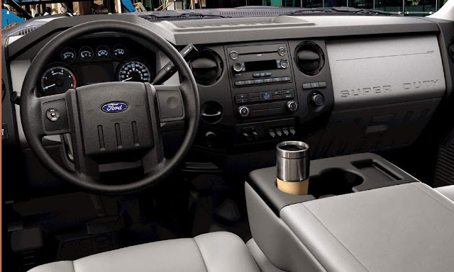 Standard interior of 2011 Ford F-350