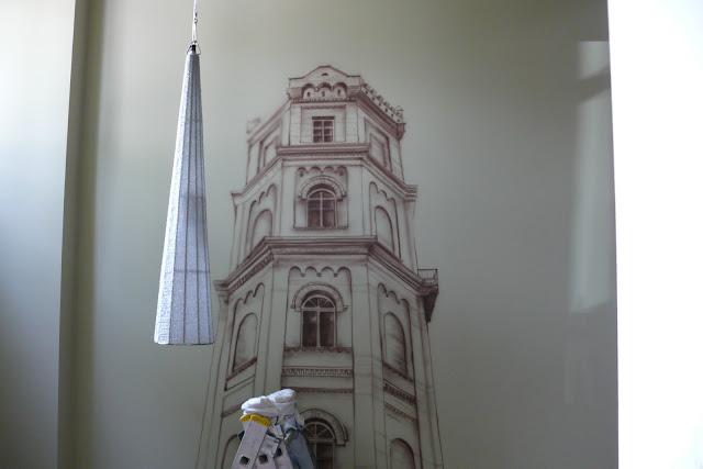 Malowanie obrazu bezpośrednio na ścianie, motyw architektury w malarstwie, perspektywa