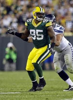 Packers defensive end Datone Jones