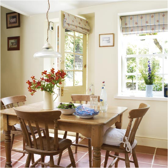 Cottage dining room design ideas simple home for Dining room t