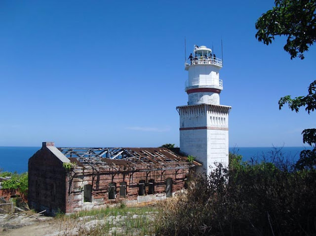 PHILIPPINE LIGHT HOUSES