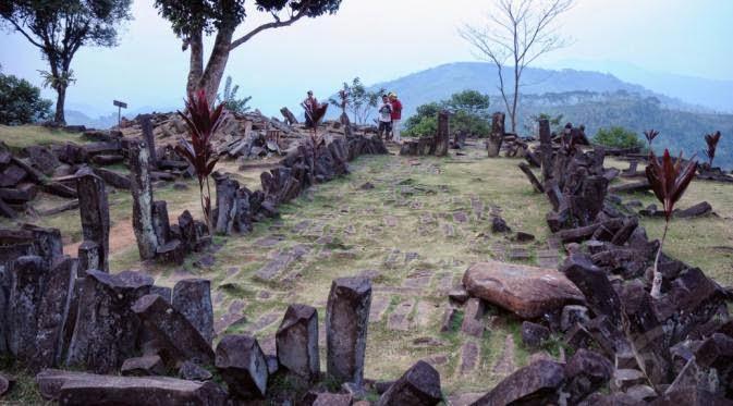 Gunung Padang, Istana Prabu Siliwangi