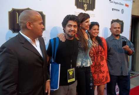 """El equipo del filme guatemalteco """"Cápsulas"""" desfila en Hollywood"""
