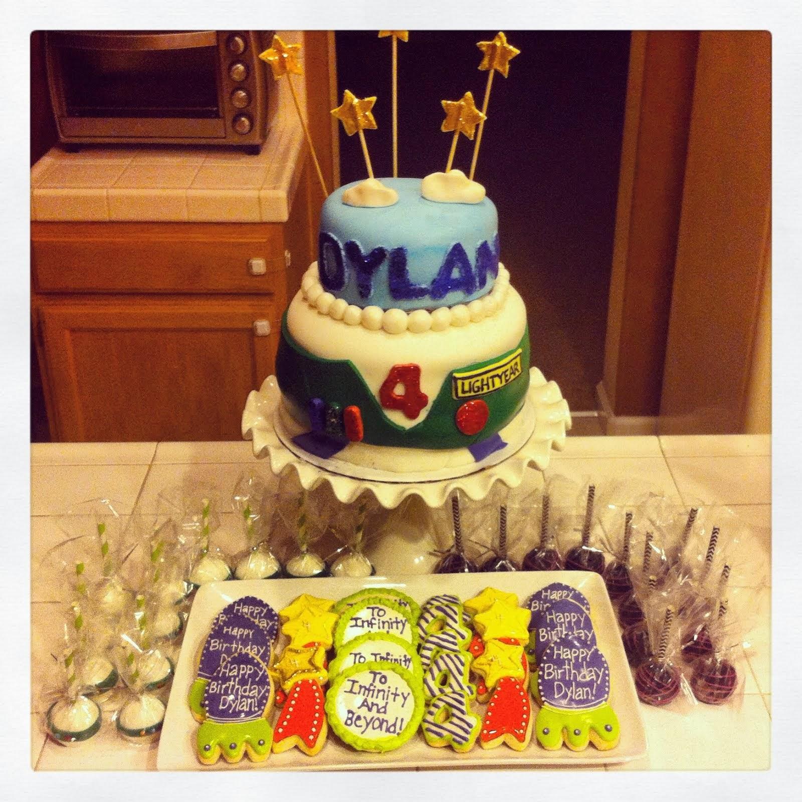 BUZZ LIGHTYEAR CAKE, CAKEPOPS & COOKIES