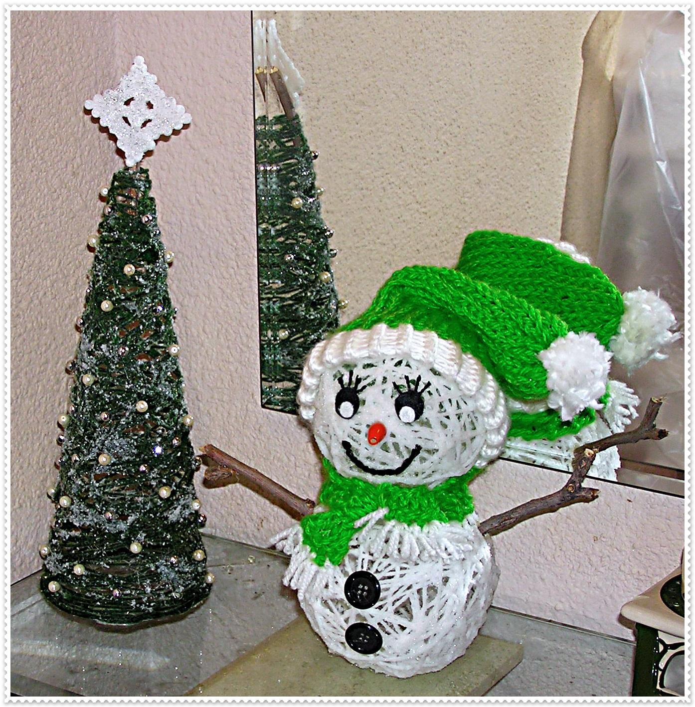 os traigo una manualidad para hacer adornos de navidad con lana y cola blanca son fciles de hacer econmicos - Como Hacer Adornos De Navidad