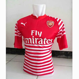 gambar photo Jersey Training Arsenal warna merah terbaru musim 2015/2016